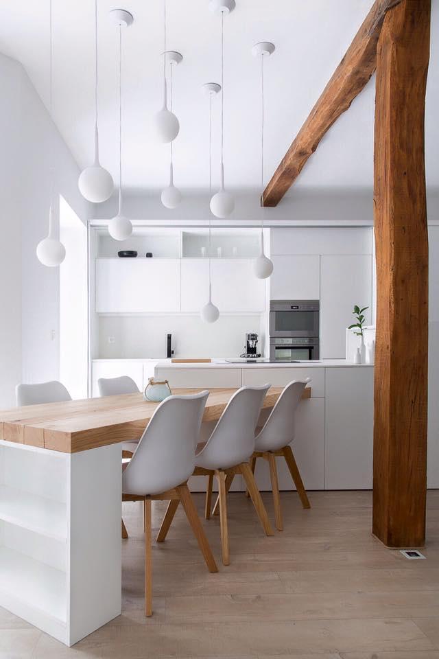 Blanco y madera 2