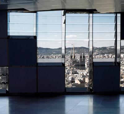 vistas desde el interior a la Sagrada Familia. Fuente: wikiarquitectura.com