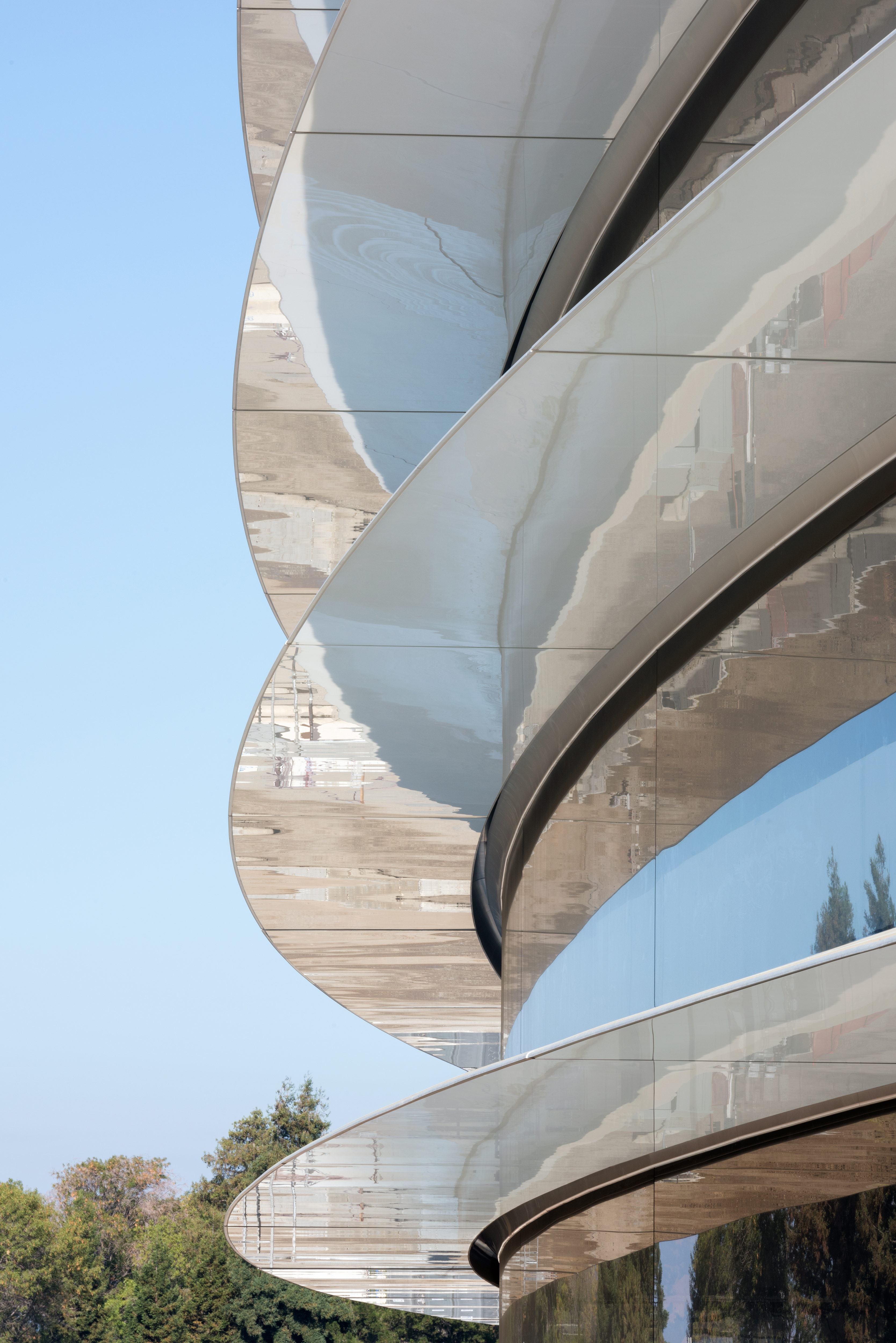 Apple park se hace realidad la nueva sede del gigante for Idealista puertas verdes