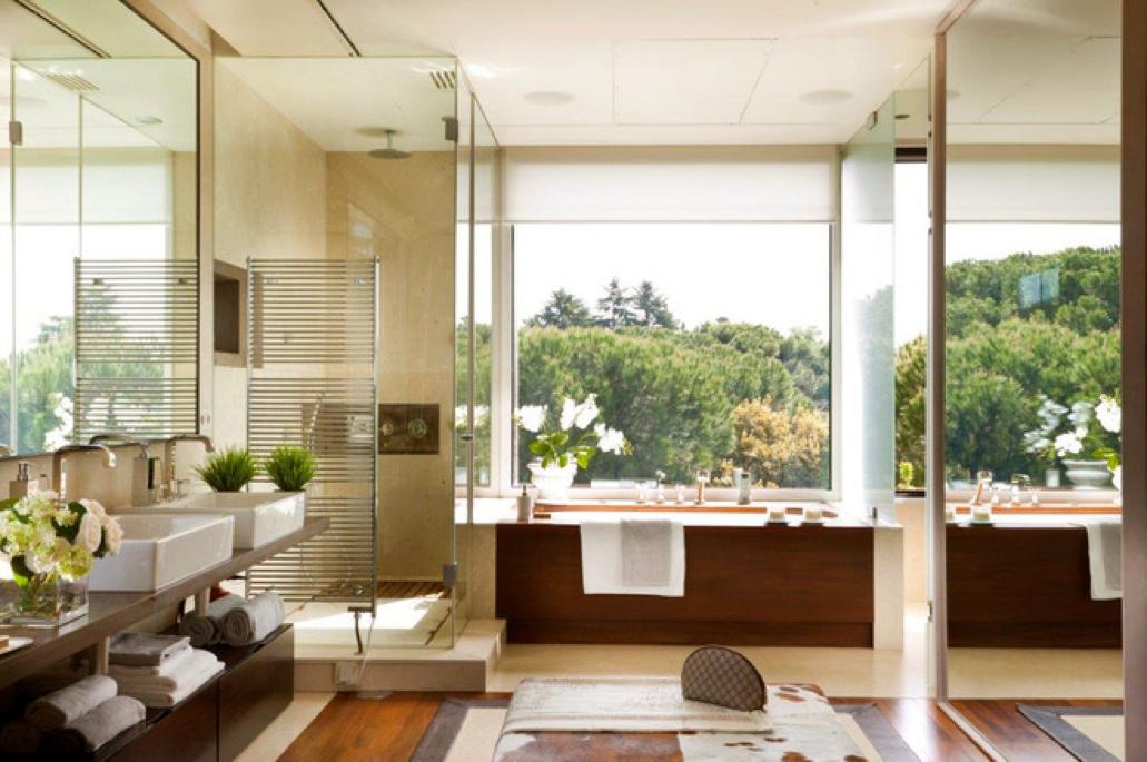El baño perfecto es accesible y tiene vistas a exterior