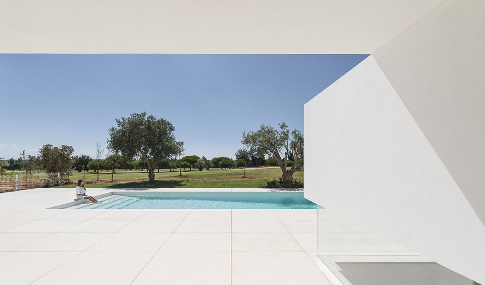 Casas de ensue o una espectacular vivienda minimalista for Casa de lujo minimalista y espectacular con piscina por a cero