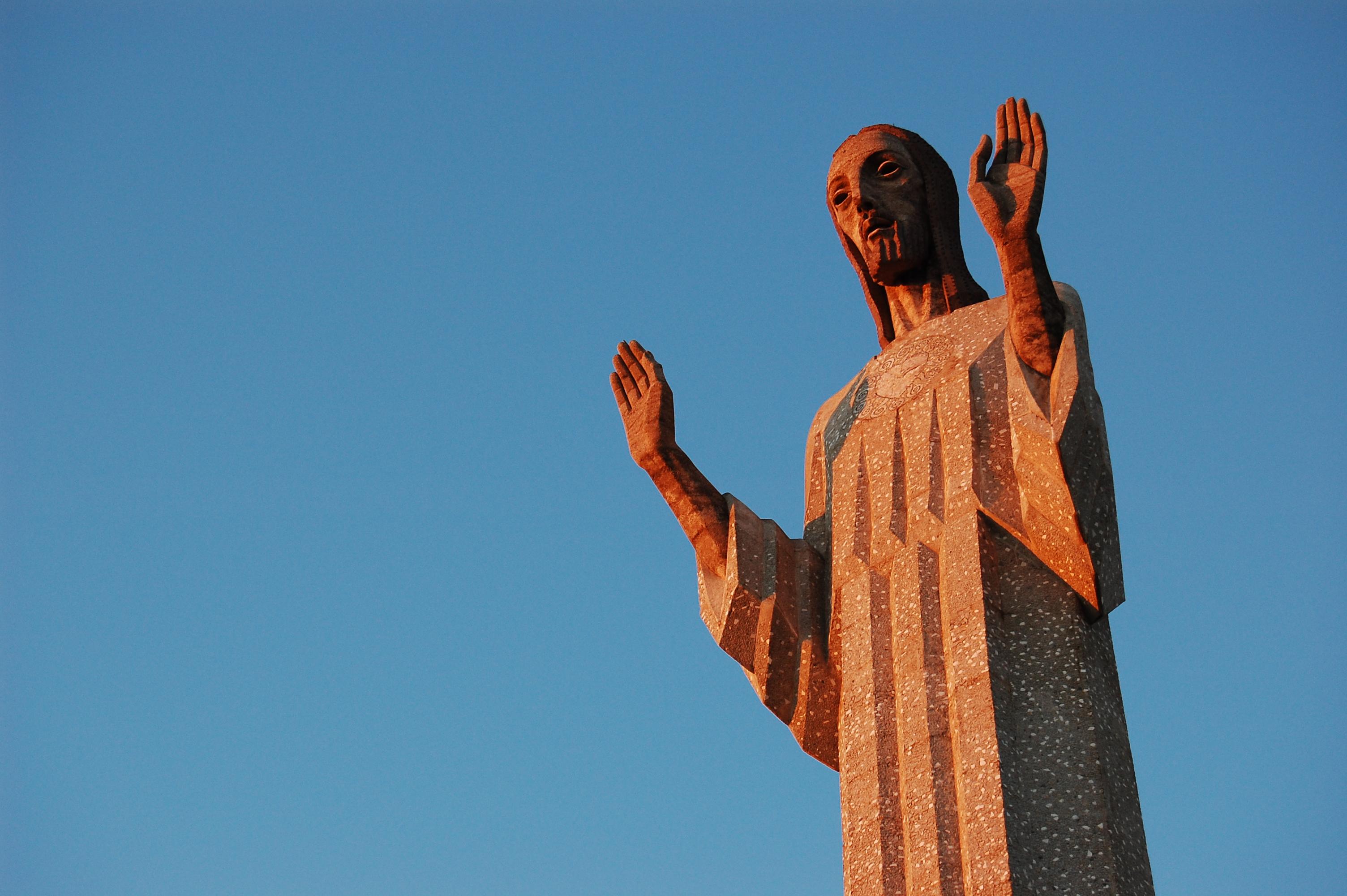 El Cristo de Otero (30 metros), en Palencia