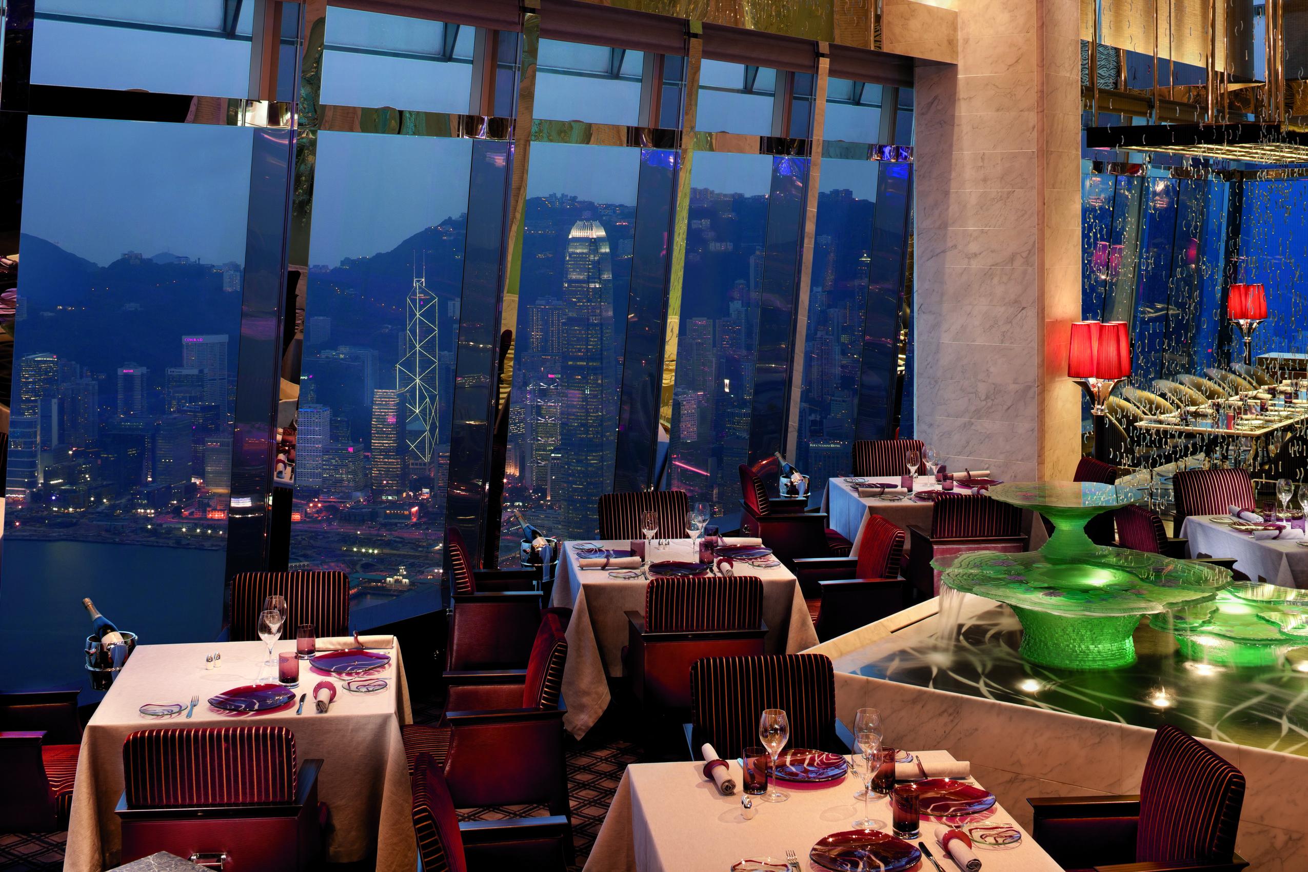 La elegancia italiana con las vistas de Hong Kong