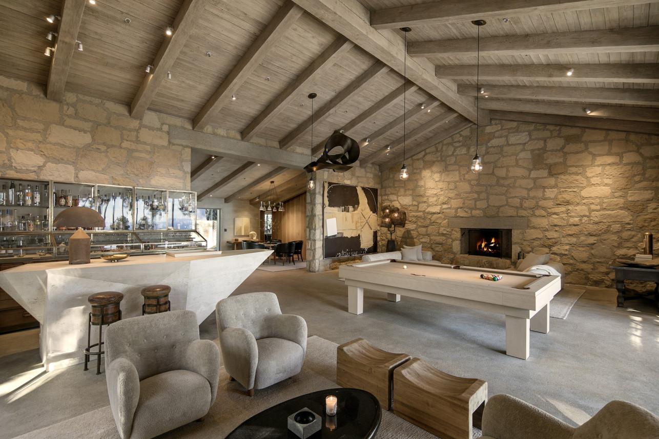 La vivienda está construida bajo el estilo toscano