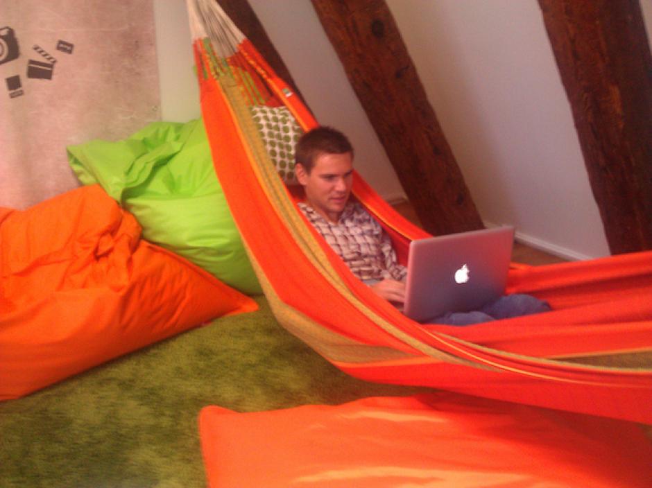 Una siesta en el trabajo 10 soluciones ingeniosas para - Soluciones para dormir bien ...