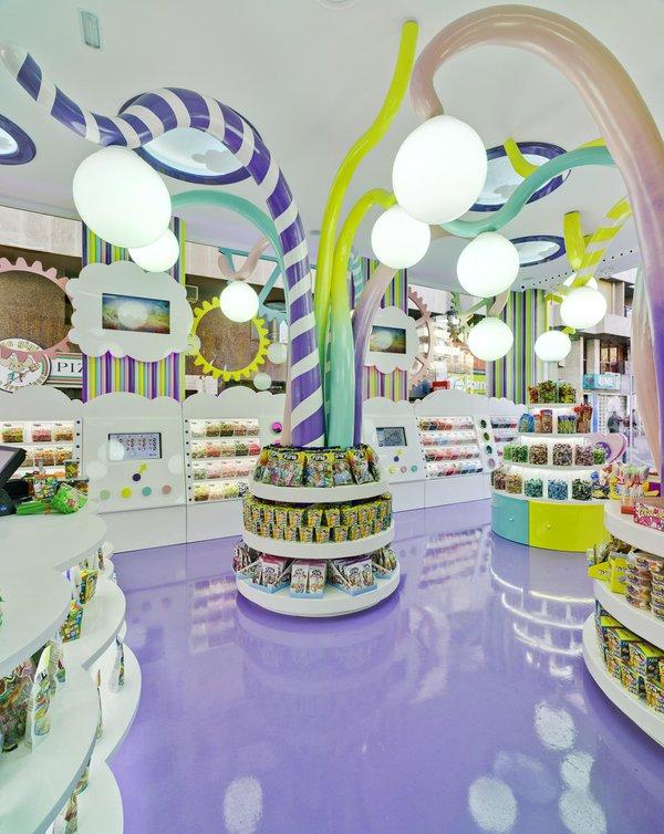 Interior de una tienda de Golosinas Fini / Golosinas Fini