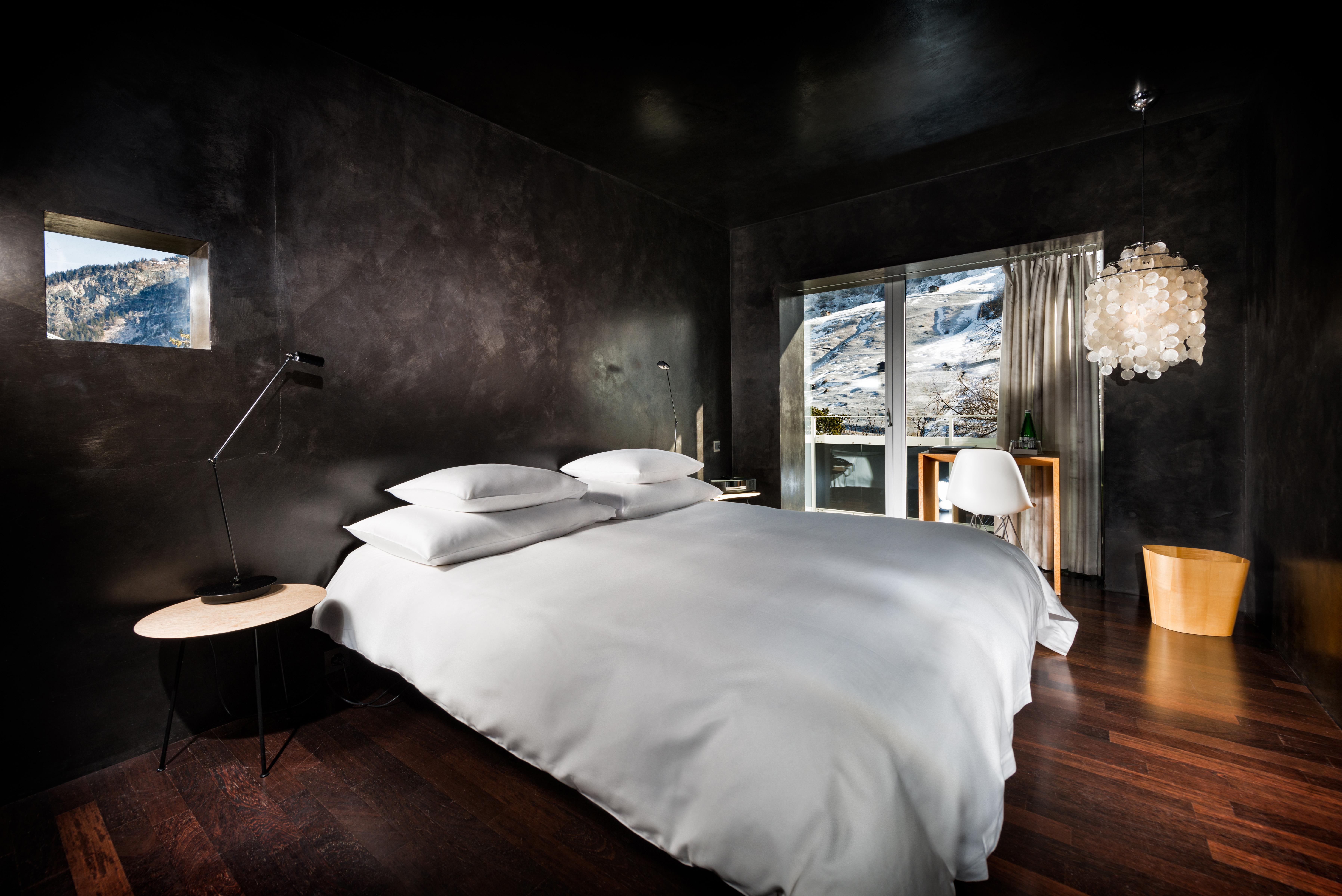 7132 Hotel