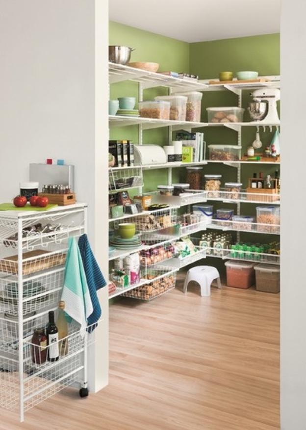Usa la despensa para organizar los diferentes productos según sus fechas de caducidad