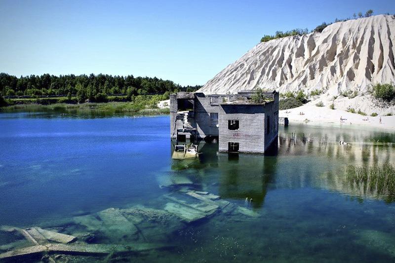 Into the Valley - Rummu Quarry (Rummu, Estonia) del 29 de junio al 1 de julio
