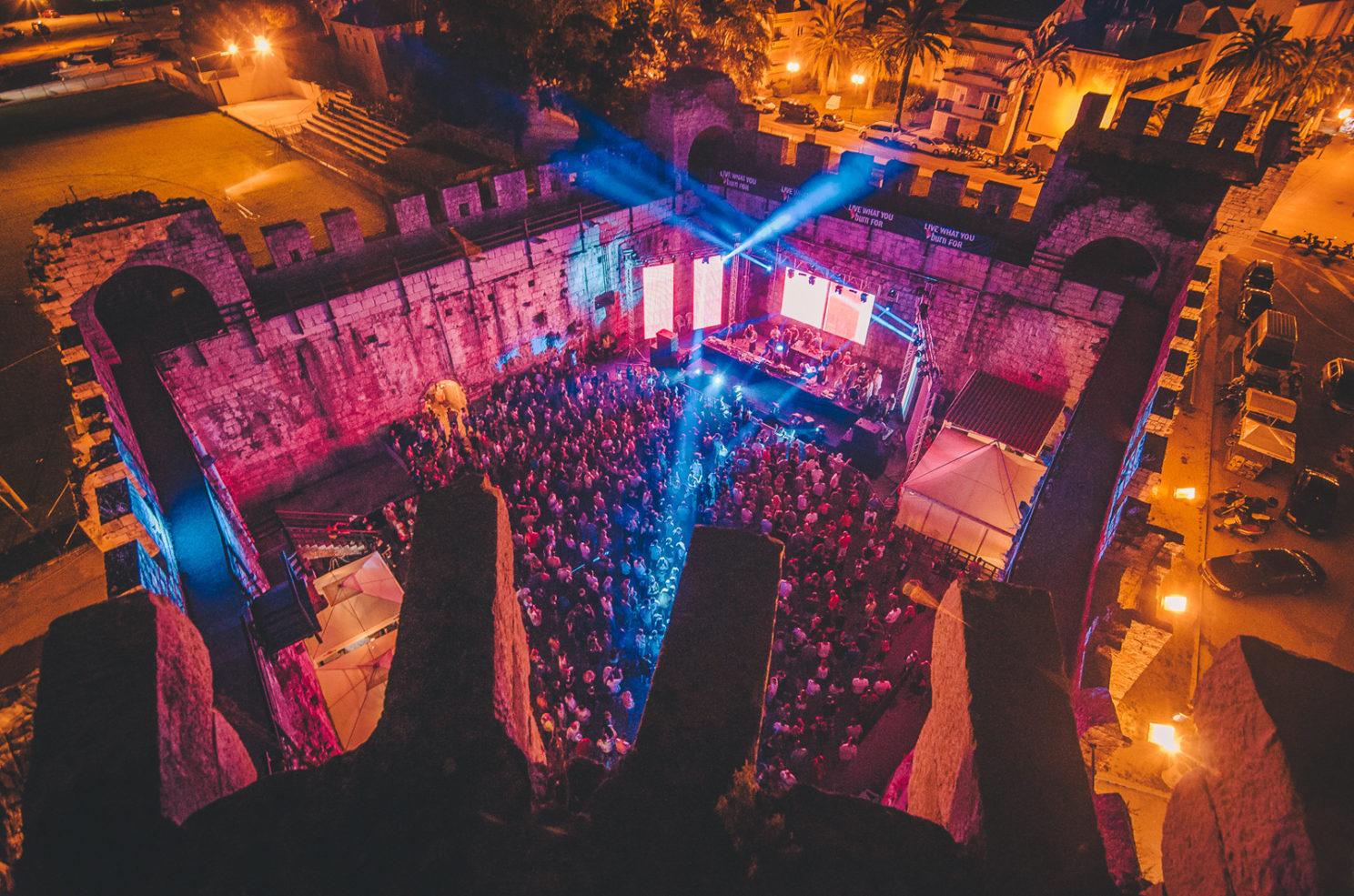 Moondance – Fortaleza Kamerlengo (Trogir, Croacia) del 10 al 12 de agosto