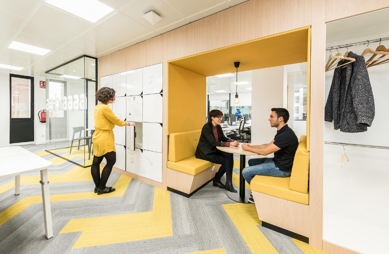 Wizink un banco con una divertida oficina al estilo for Oficinas banco madrid