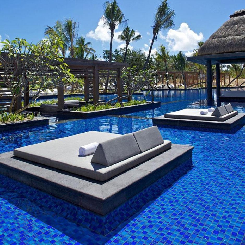 Lo ltimo en relax veraniego pon una isla en tu piscina for Piscinas en carrefour 2017