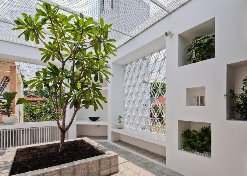 Hem House, Vietnam, by Sanuki Daisuke Architects