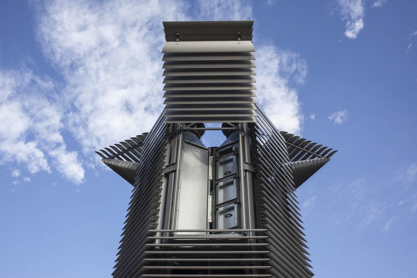 Smog Free Tower. Studio Roosegaarde