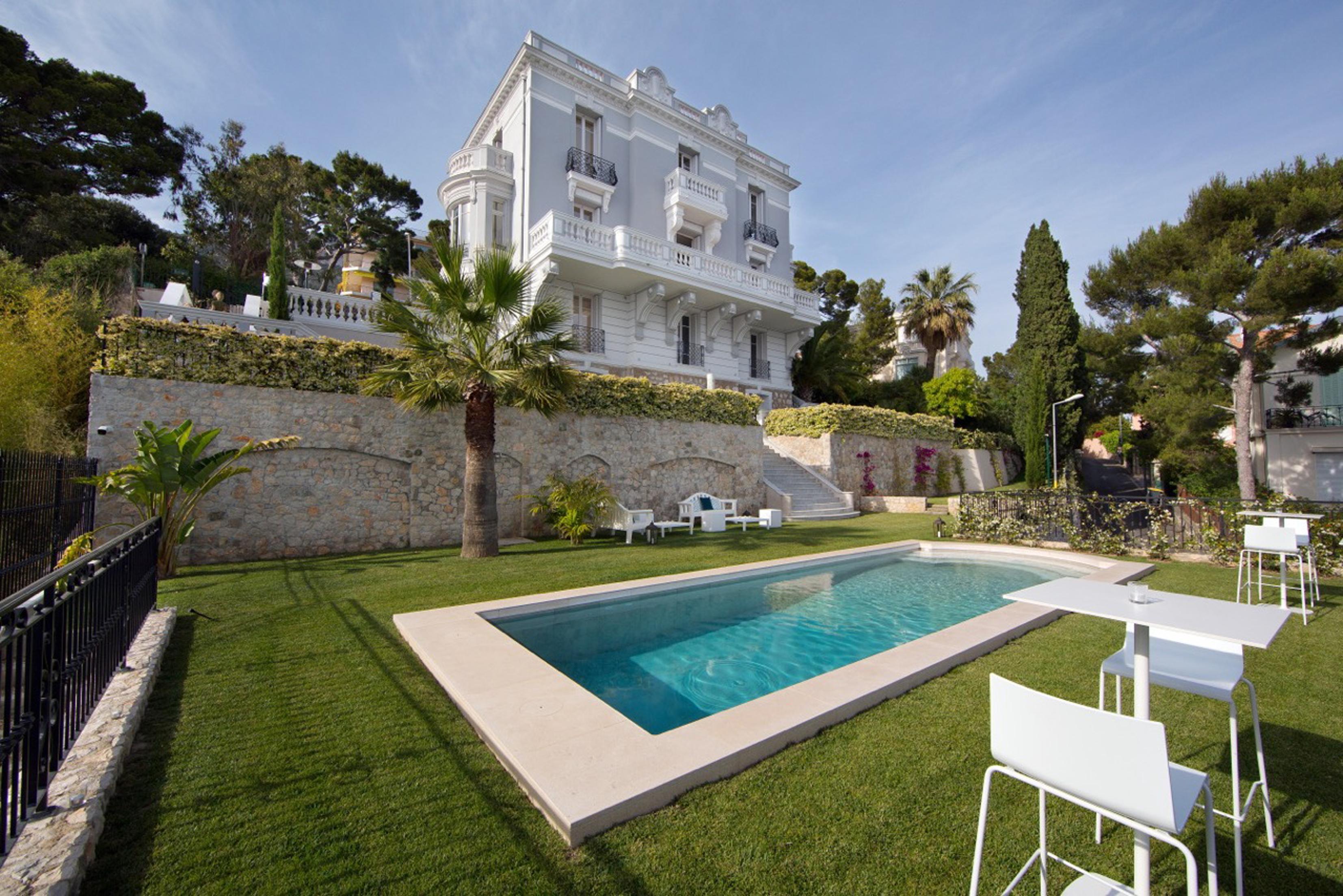 10 casas de vacaciones al alcance de todos los bolsillos para veranear como los ricos y famosos. Black Bedroom Furniture Sets. Home Design Ideas