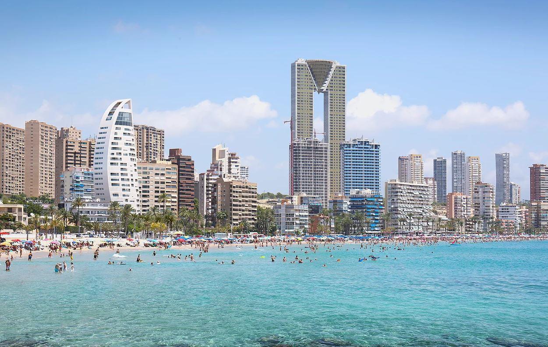 Primera línea de playa de Benidorm (Alicante) / www.delfintower.com