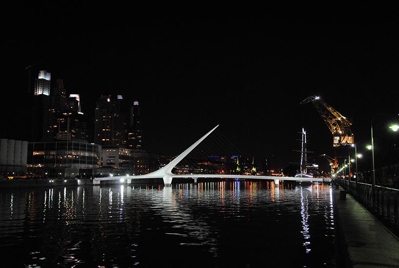 El Puente de la Mujer, de Santiago Calatrava. Buenos Aires (Argentina)
