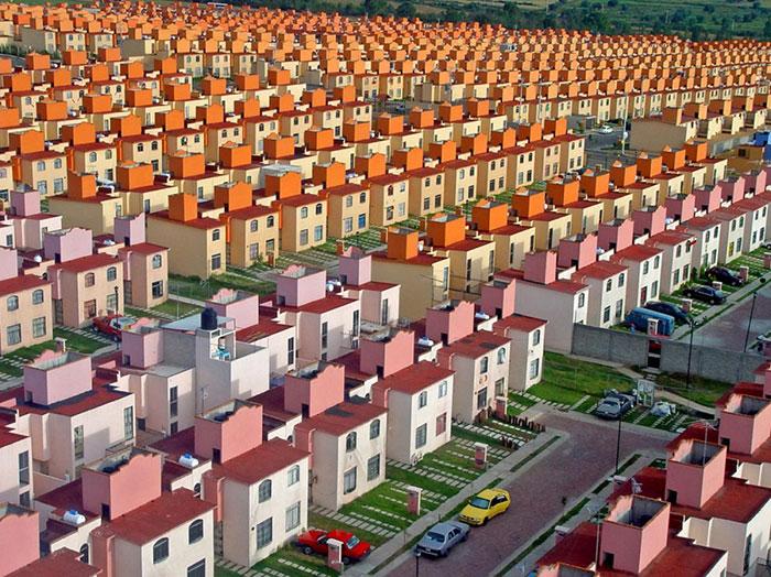 La primera versión de Minecraft llegó a la realidad en una urbanización en México