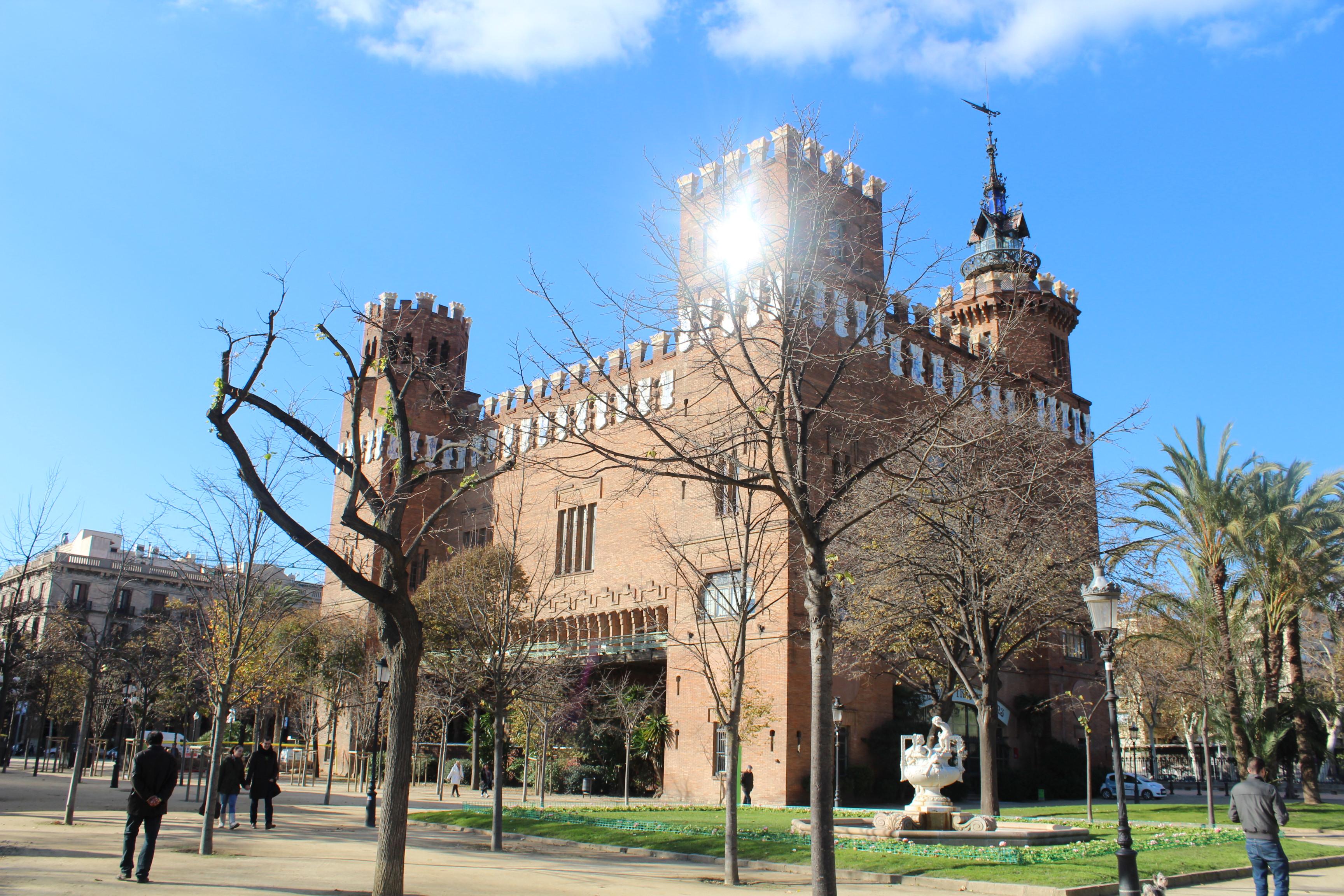 Castell del tres dragons