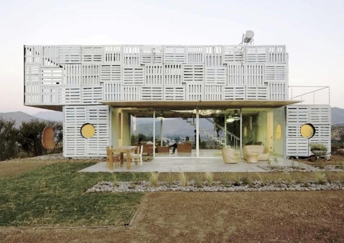 Manifesto House - James & Mau for Infiniski