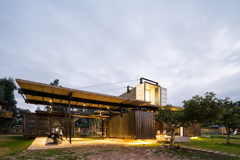 RDP House - Daniel Moreno Flores / Sebastián Calero