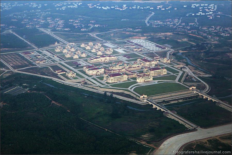 La capital birmana es terreno casi exclusivo de palacios de gobierno. / Yangoon Express