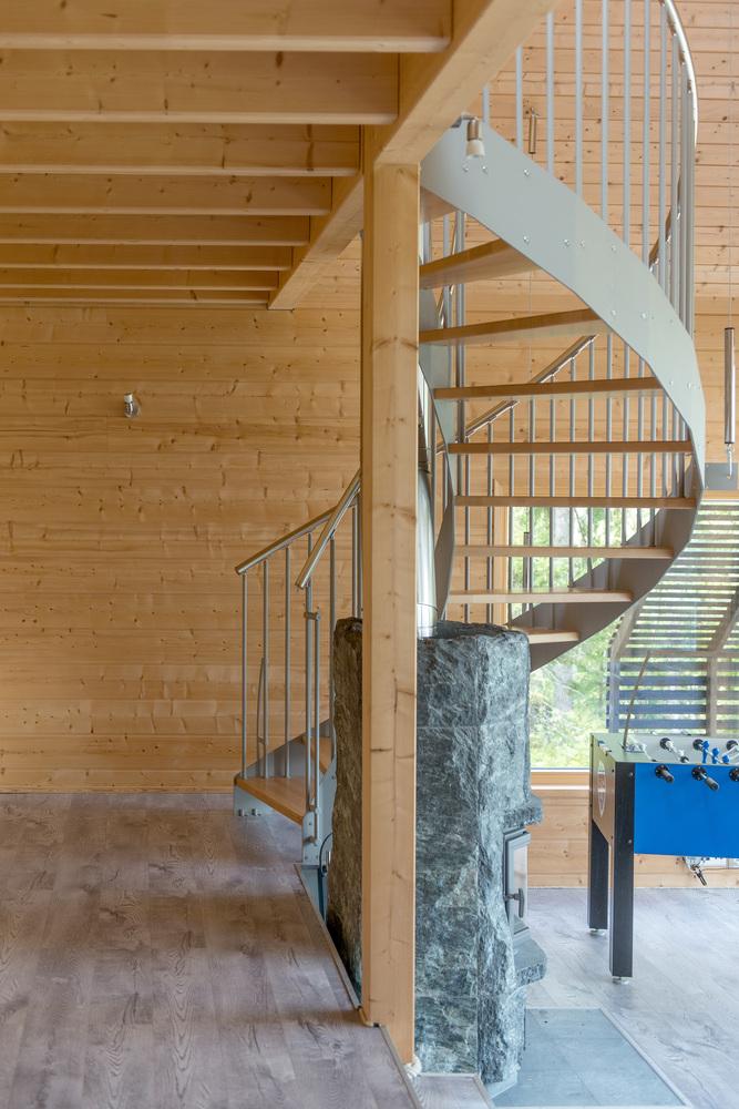 Escalera de caracol / Timo Laaksonen