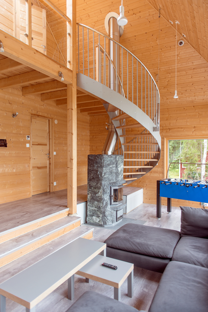 Detalle de la escalera y chimenea / Timo Laaksonen