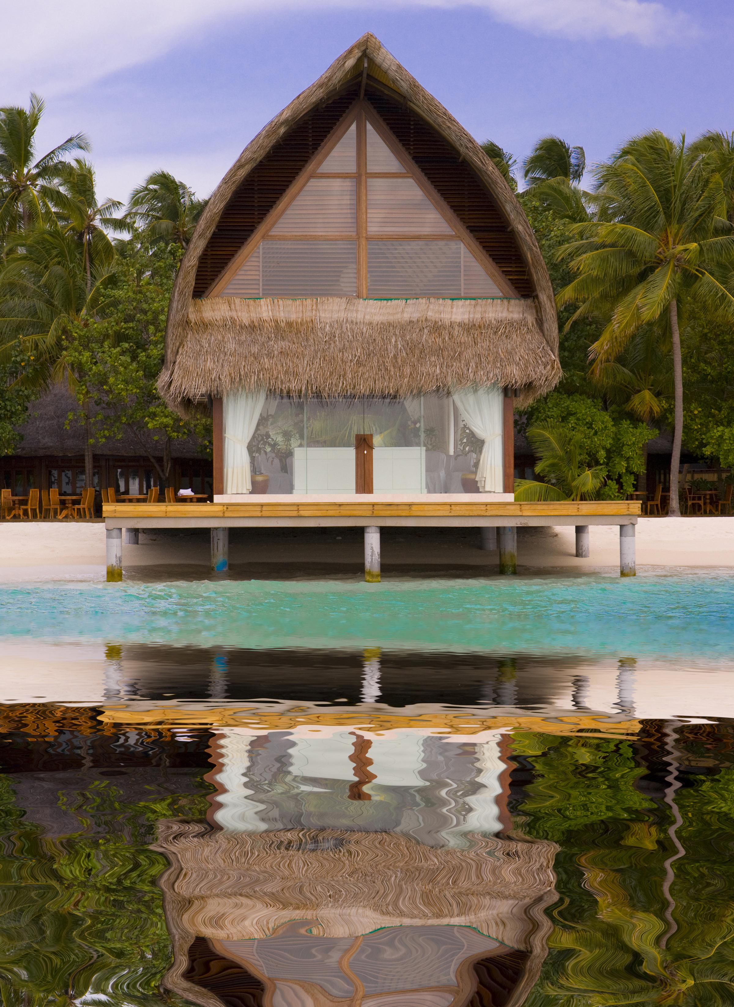 Hoteles con encanto el mejor lugar para dormir sobre el for Los mejores hoteles de maldivas