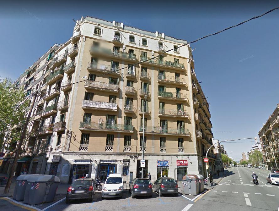Fachada del edificio a rehabilitar en calle Aragón de Barcelona / Google Maps