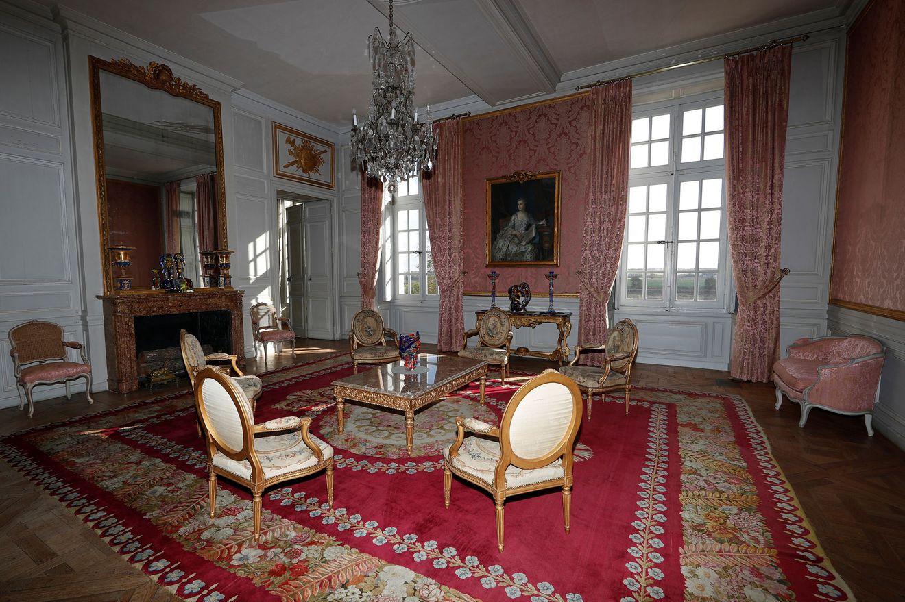 El actual dueño amuebló la finca con originales del siglo XVIII