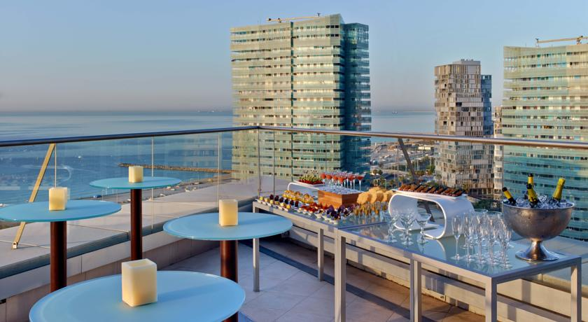 Terraza de la planta ejecutiva / Hilton