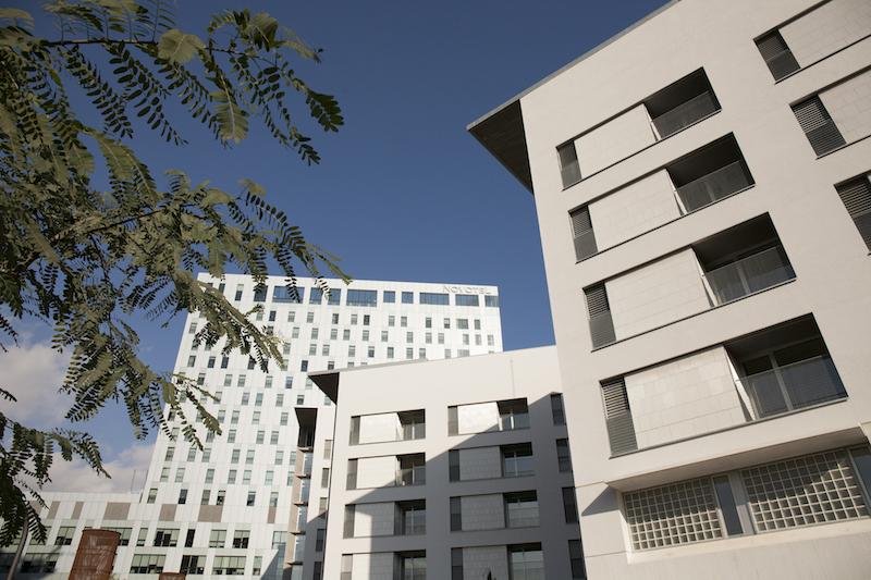 Barcelona entrega las llaves de 105 viviendas p blicas para personas mayores en el 22 - Pisos de proteccion oficial barcelona requisitos ...