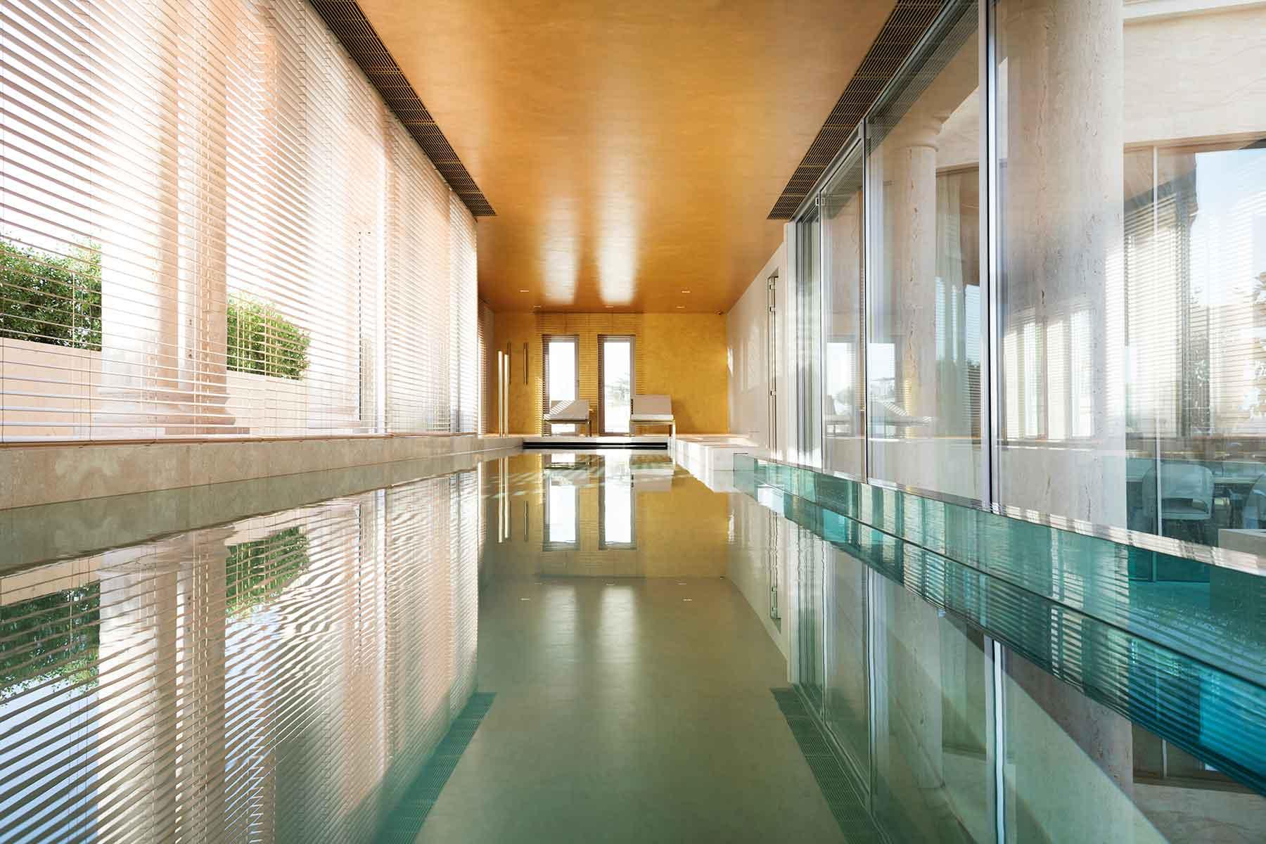Para la época de frío, piscina interior