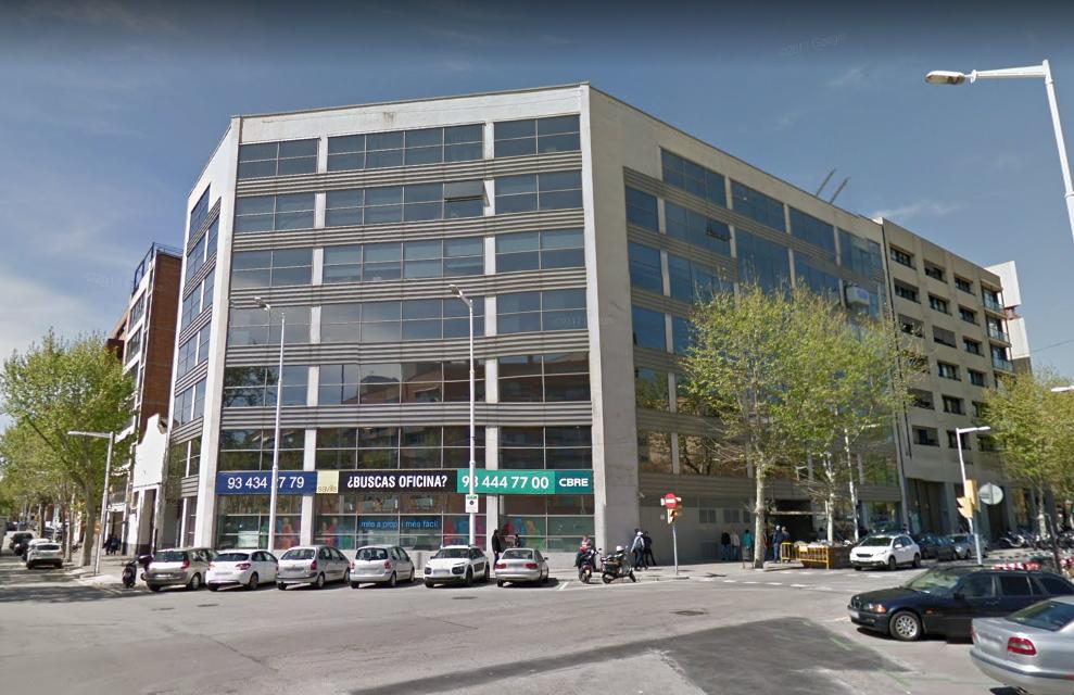 Akm amplia su cartera con un edificio en el 22 el - Calle marina barcelona ...