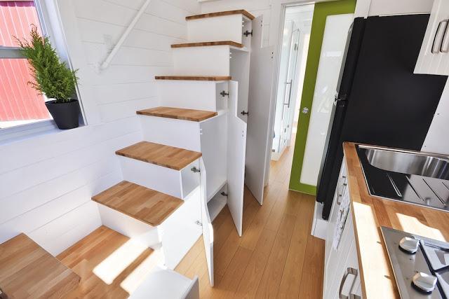 La escalera a la planta alta