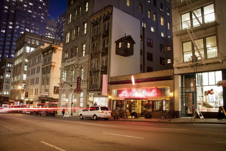 La cabaña adosada a un hotel en San Francisco
