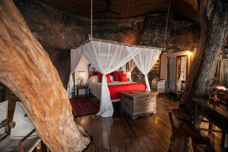 Una cama King-size para dormir a pierna suelta en la selva