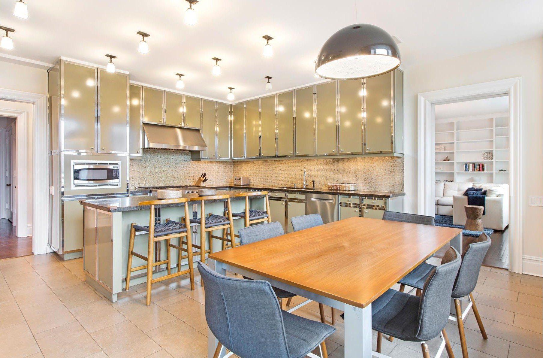 Una cocina totalmente equipada