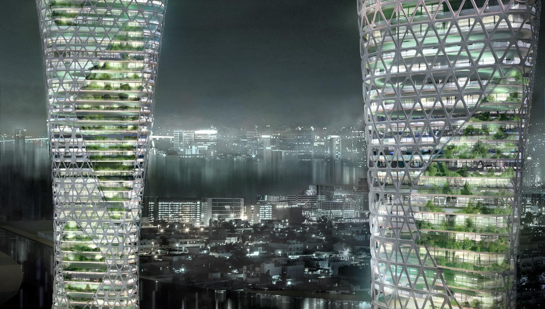 Dos de las torres cubiertas de vegetación