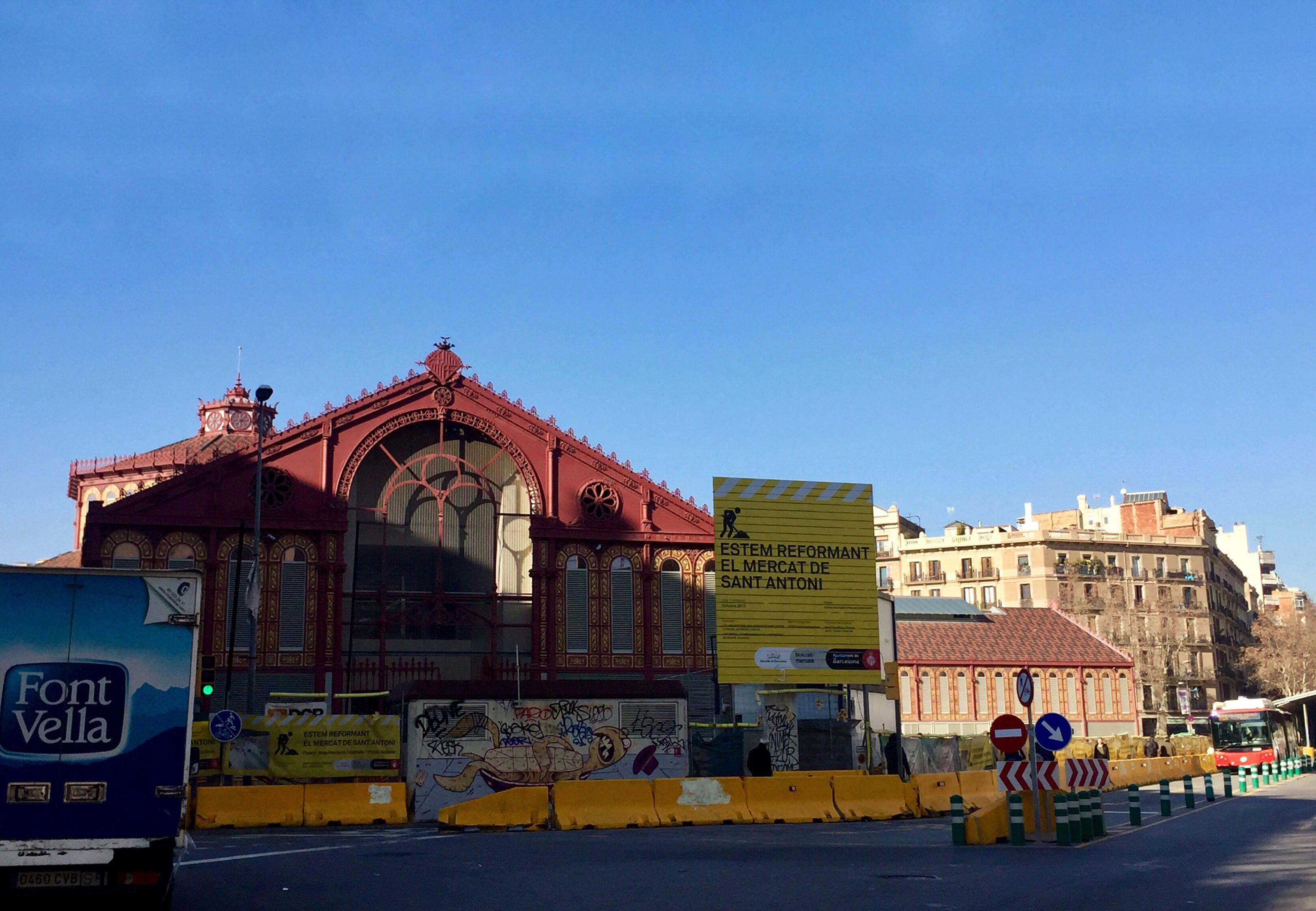 El mercado de Sant Antoni espera poder abrir al público antes del puente de Mayo