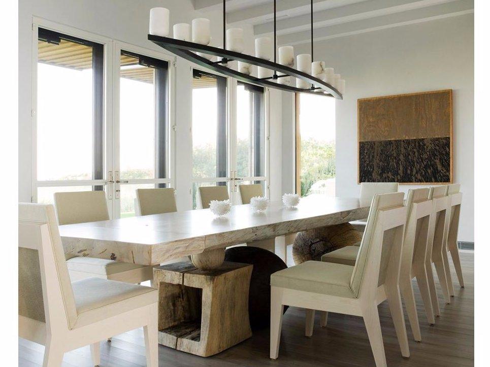 Una mesa para muchos invitados