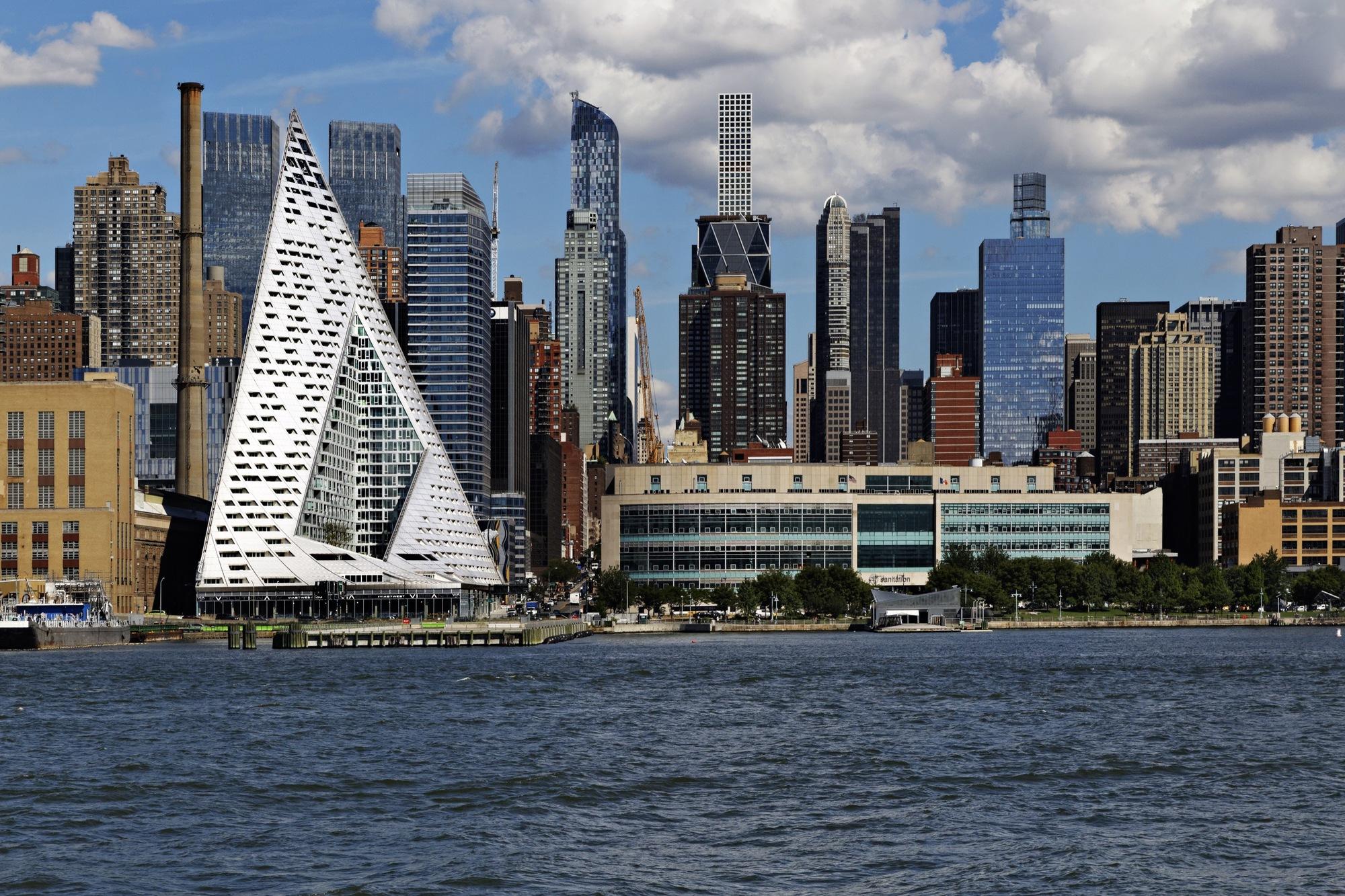 El VIA57WEST ha cambiado el skyline de Nueva York / Cortesía de Emporis/Alfonso Merchand