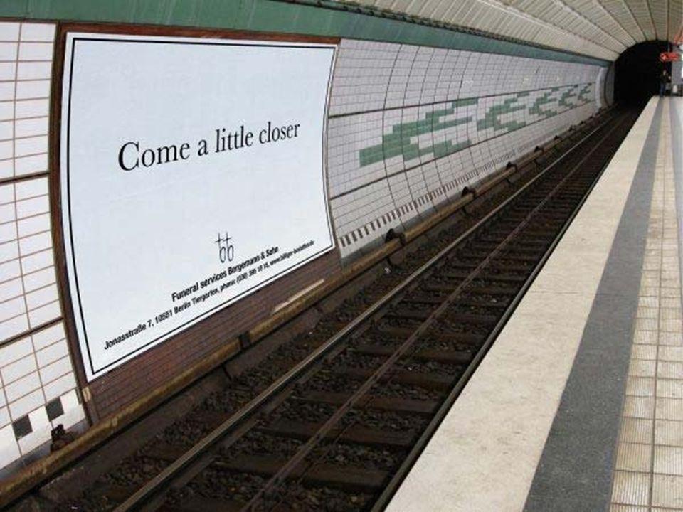 Anuncio en el metro