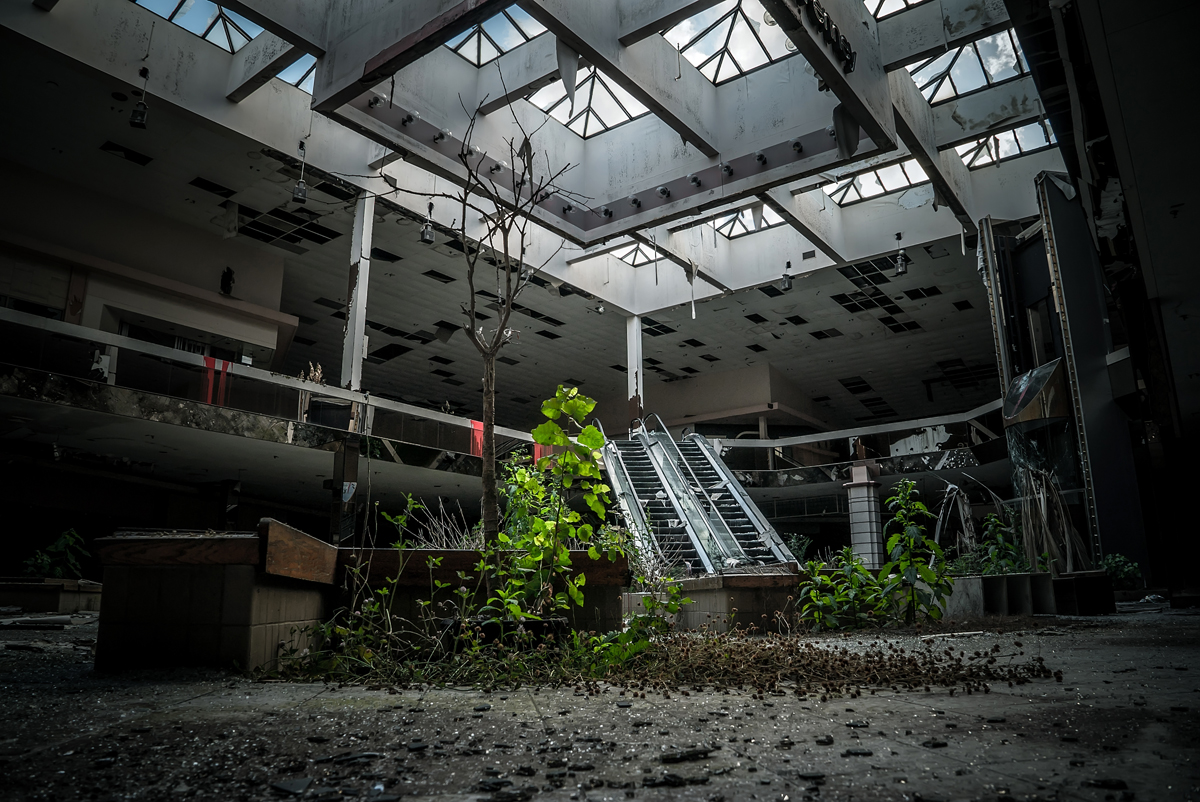 Centro comercial / Johnny Joo