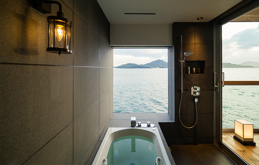 Bañera frente al mar