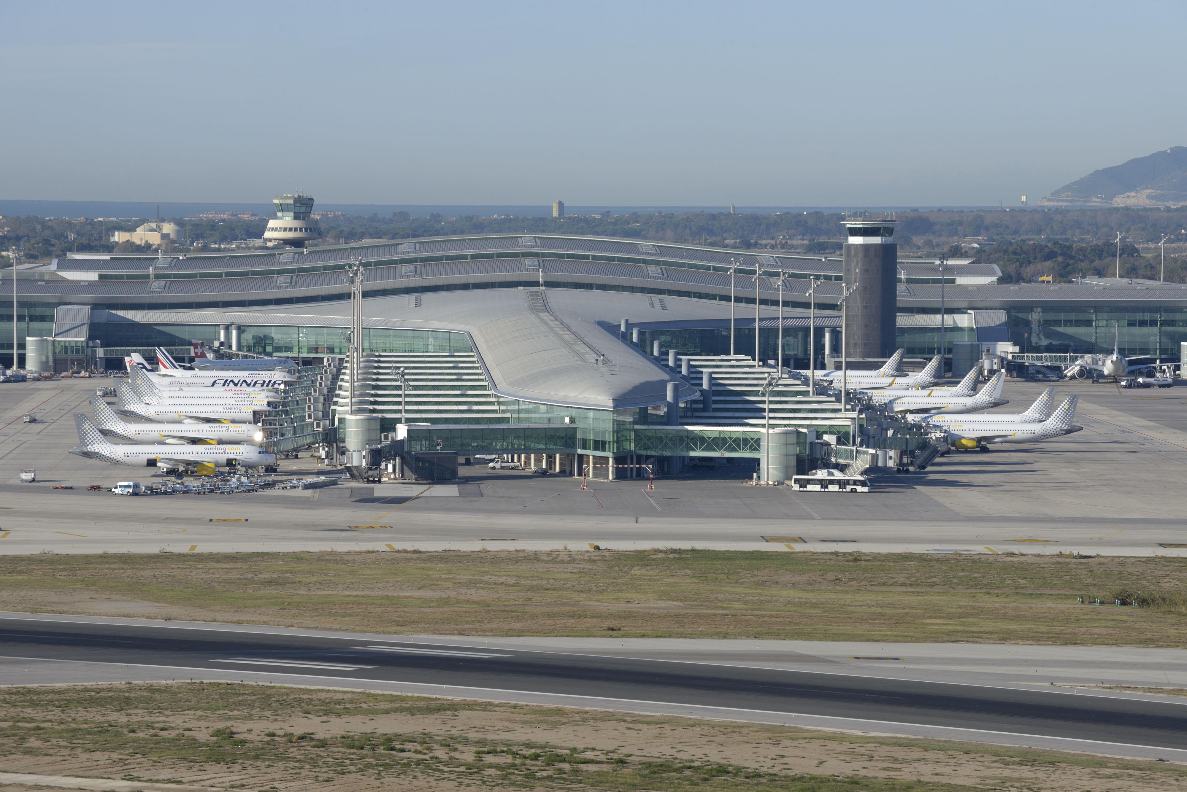 Exterior de la Terminal T1 del Aeropuerto de Barcelona-El Prat. / Aena