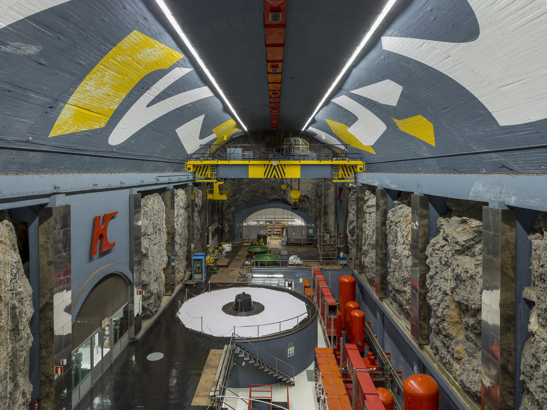 Interior de la central hidroeléctrica de Tanes, Asturias
