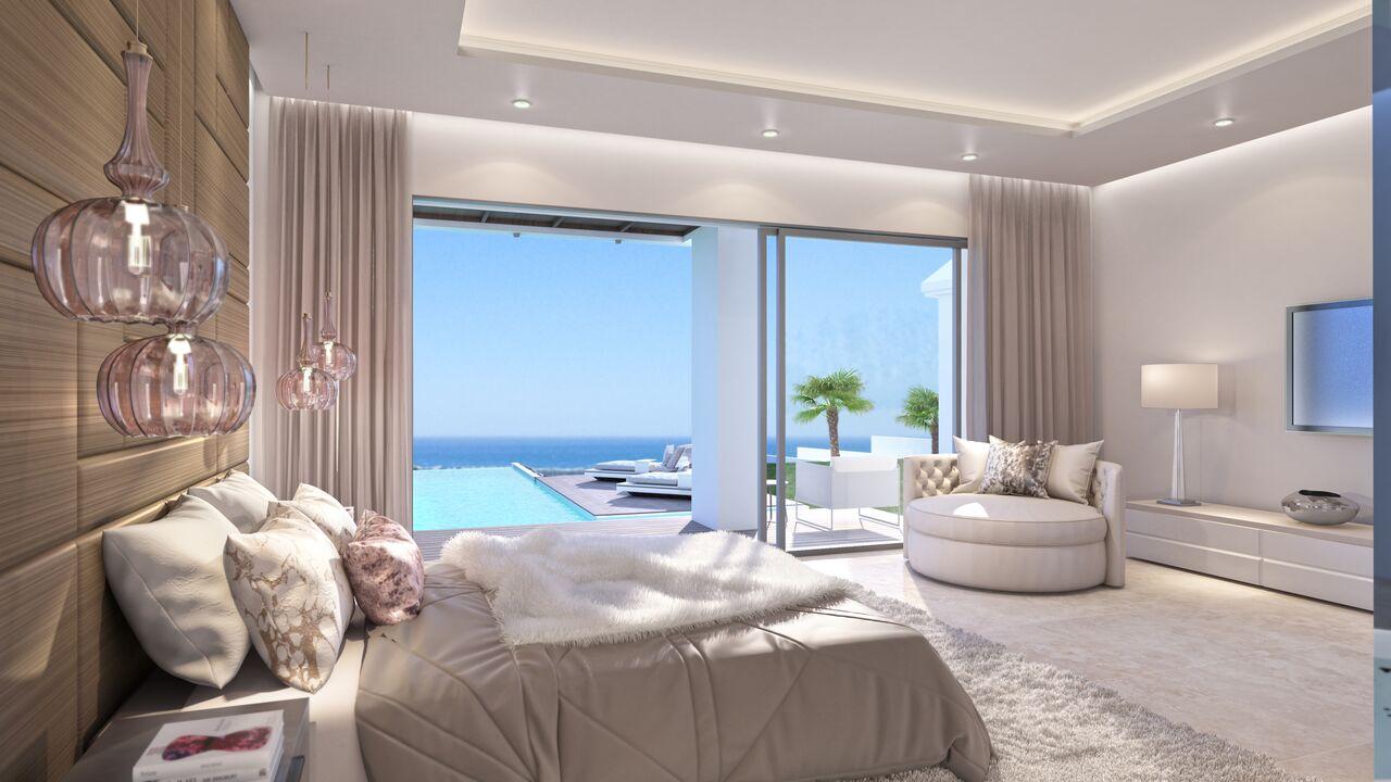 Casas De Ensueño: Una Mansión Domotizada Con Acceso A La Piscina Desde El  Dormitorio En Marbella