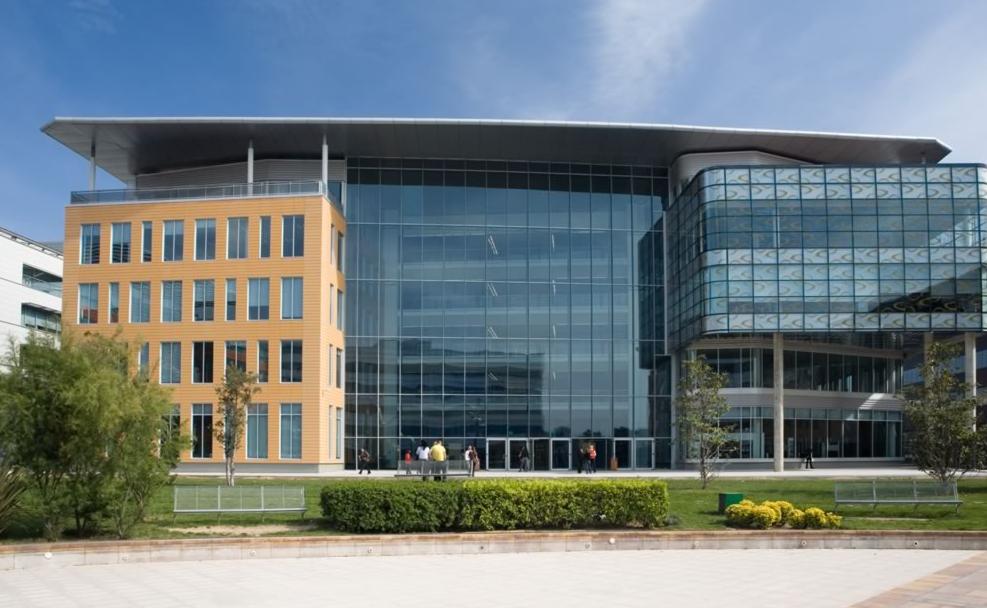 Las 12 oficinas m s espectaculares del mundo y la primera for Oficinas de bankia en madrid